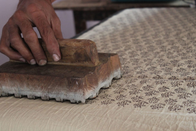 THE PROBLEMS FACED BY INDIAN RURAL ARTISANS AND CRAFTSPERSONS AND THE RESSURECTION OF THE RURAL INDIAN ECONOMY